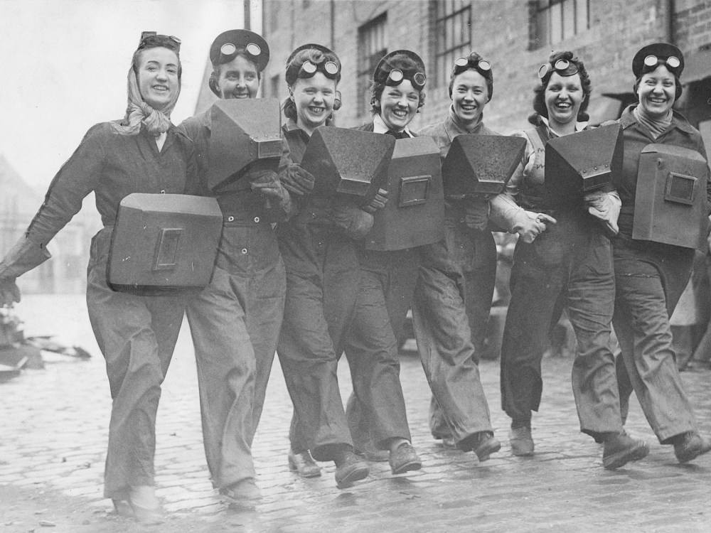 Lib - Females being trained as women welders, filling in for men who were at war. 6th July 1943