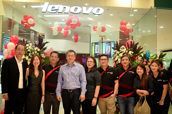 Lenovo and Open Communications executives jointly attended the recent opening of the 19th Lenovo Mobile Exclusive Store in Bacolod.