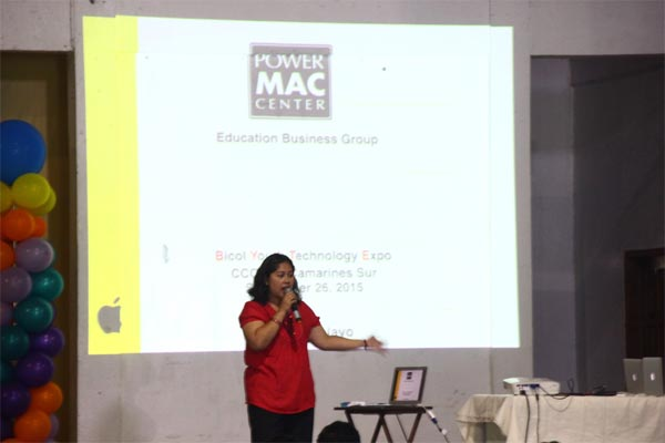 Curriculum Development Supervisor Shiela Marie Pelayo discussed topics on iBooks Author and Power Mac Center's Education Business Solutions during the 2nd Bicol Youth Technology Expo at the Pili Capitol Convention Center.