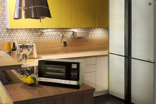 Sharp's-J-Tech-Refrigerators-and-Steamwave-Oven