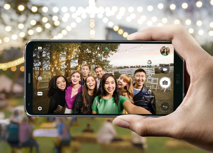 The LG G6 was designed for comfortable use and stunning camera output regardless of your lifestyle.