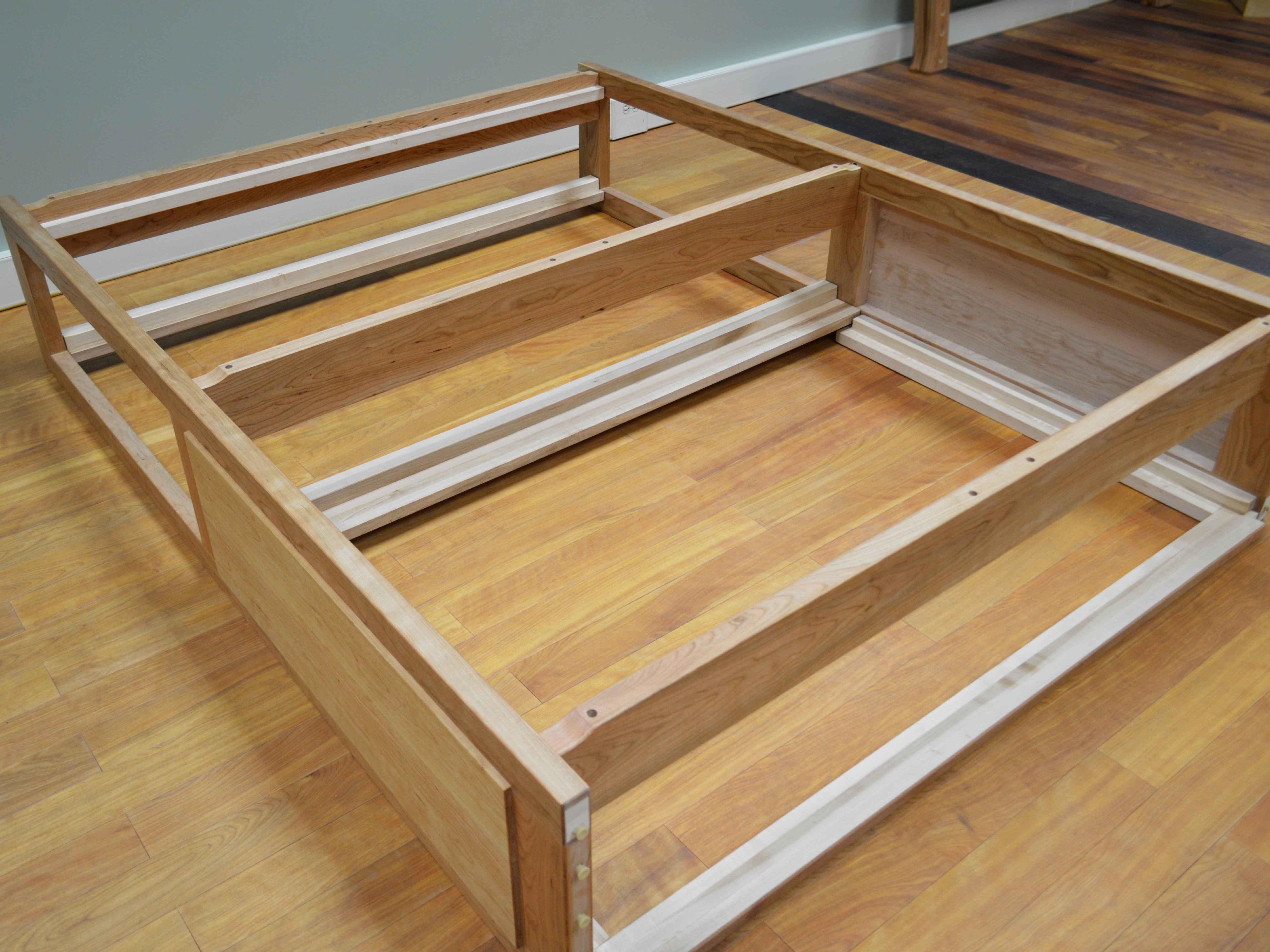 Custom Bed Frames And Headboards Balancer Das Original