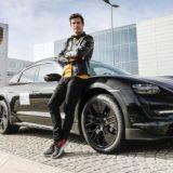 Porsche Taycan Cross Turismo, lancio con Mark Webber