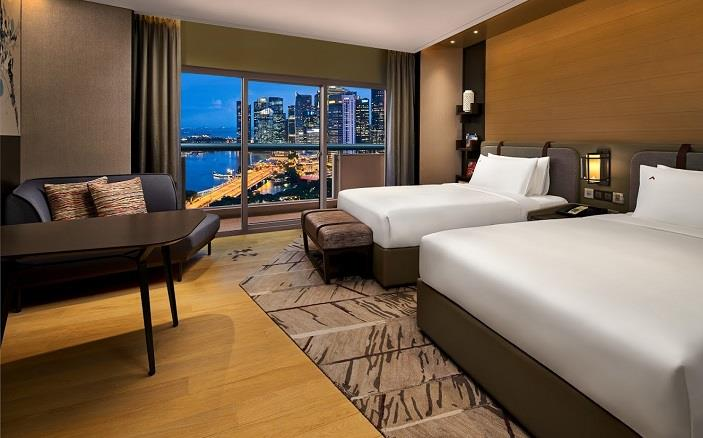 premierharbourviewroom  Swissotel The Stamford Singapore