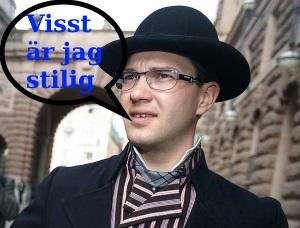 En stilig Jimmie Åkesson i folkdräkt