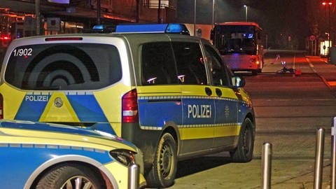 The State Office of Criminal Investigation examined the bus at the Heilbronn bus station with a special device (Photo: 7aktuell)