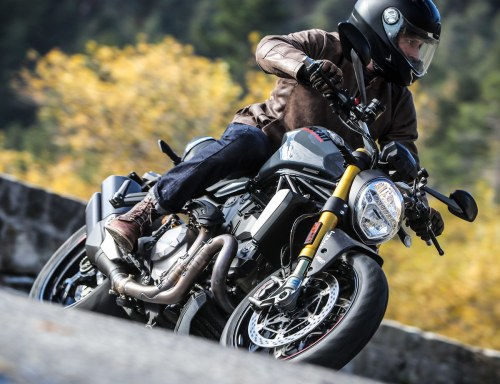 small resolution of the monster is ducati s 911 there may be some ducati die hards that will go on rants about the design tweaks or electronics but the 2017 monster 1200 is a