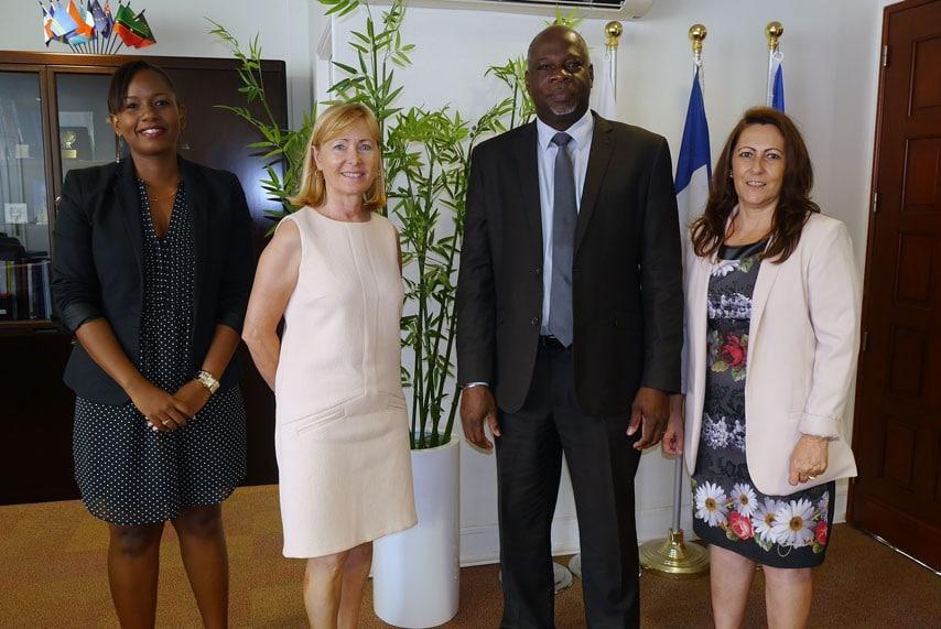 Barbara Monpierre, directrice de la communication de La Poste, madame Scoarnec, le vice-président Guillaume Arnell et madame Paolini