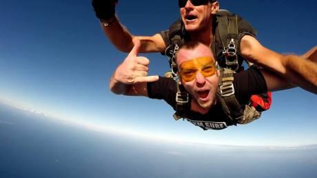 SXM-Surf-Explorer-Geoff-sky-diving-Saint-Martin