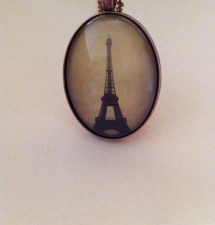 Eiffel Tower Oval