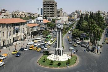 الأهالي يسخرون من عمل المؤسسات الحكومية في حمص
