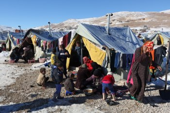 """قال """"ماريو غاتيكر"""" وزير """"شؤون الهجرة"""" في سويسرا، خلال لقائه مع الوزير اللبناني """"معين المرعبي""""، إن """"بلاده عزمت على استقبال 1500 مهاجر سوري من لبنان"""