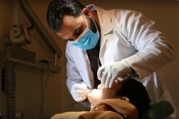 يشار إلى أن الكادر الطبي يعمل بشكل تطوعي من أطباء وممرضين والتقنيين
