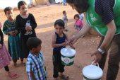 """""""الإغاثة التركية"""" تقدم الطعام لـ 50 ألف صائم في سوريا يومياً"""