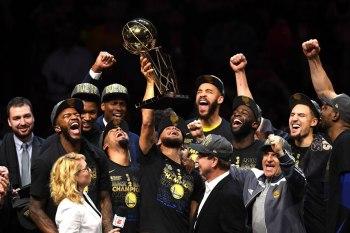 جولدن ستيت وريورز بطل الـ NBA