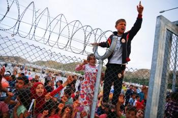 المعارضة الأوروبية: برنامجي الانتخابي.. ترحيل اللاجئين!
