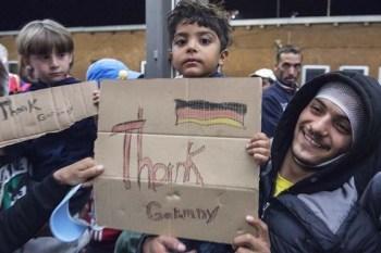 اللجوء إلى المواطنين.. ألمان يخبئون اللاجئين منعاً لترحيلهم