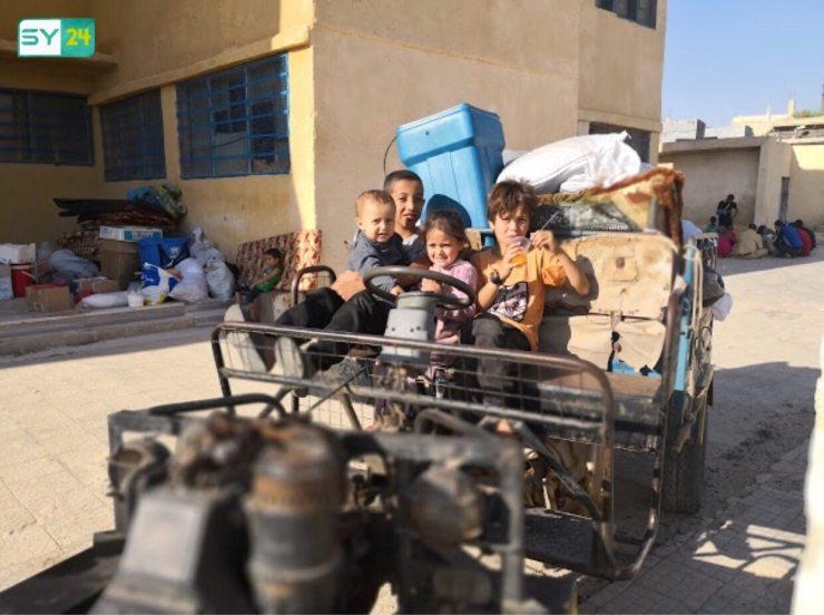 عودة النازحين من الحدود إلى بصرى الشام استعداداً لتطبيق اتفاق درعا