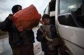 المازوت يُحلّق.. هكذا يستغل التجار معاناة السكان شمال سوريا!