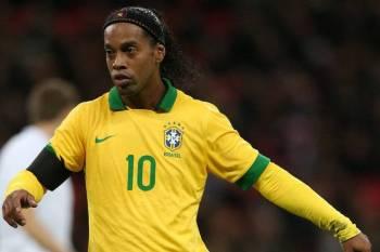 الحجز على بعض ممتلكات رونالدينيو في البرازيل!