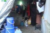 ظروف قاسية تعاني منها عائلة نازحة في ريف حلب