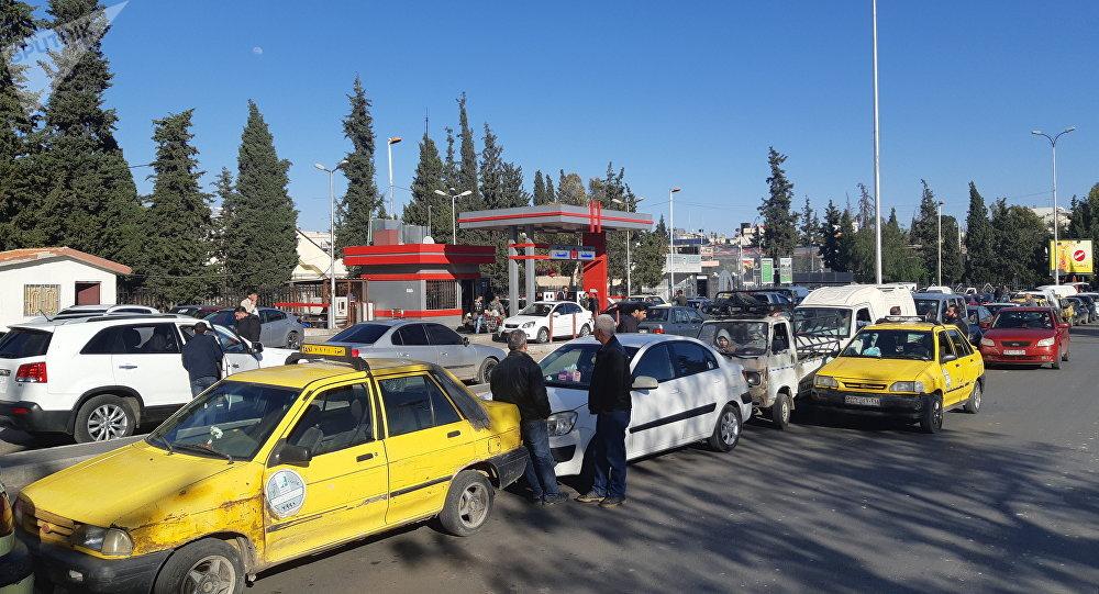 """وزارة النفط تشكر المواطنين على صبرهم: """"غيمة وبتمر""""!"""