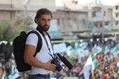 بعد مقتل إعلامي الدفاع المدني.. نجاة مراسل SY24 من براميل الموت في إدلب