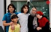 امرأة مسنة سجنها النظام 5 سنوات تلتقي بأطفالها بعد البحث في إسطنبول