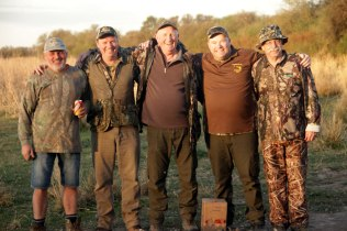Australian dove hunters in Argentina