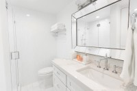 White Marble Bathroom Decor Ideas