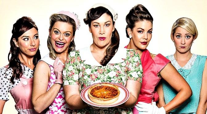 5 LESBIANS EATING A QUICHE @ GLEN STREET : A FLUFFY CONFECTION