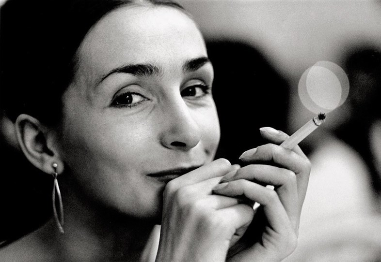 PINA BAUSCH : THE FIRST BIOGRAPHY OF ONE OF THE LEGENDS OF DANCE