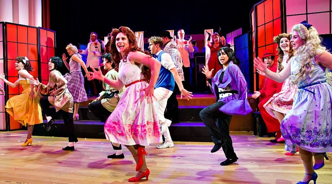 HOT  MIKADO : TWO HOURS OF QUIRKY, MESSAGE FREE ENTERTAINMENT