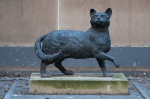 Sydney Trim the Cat Statue