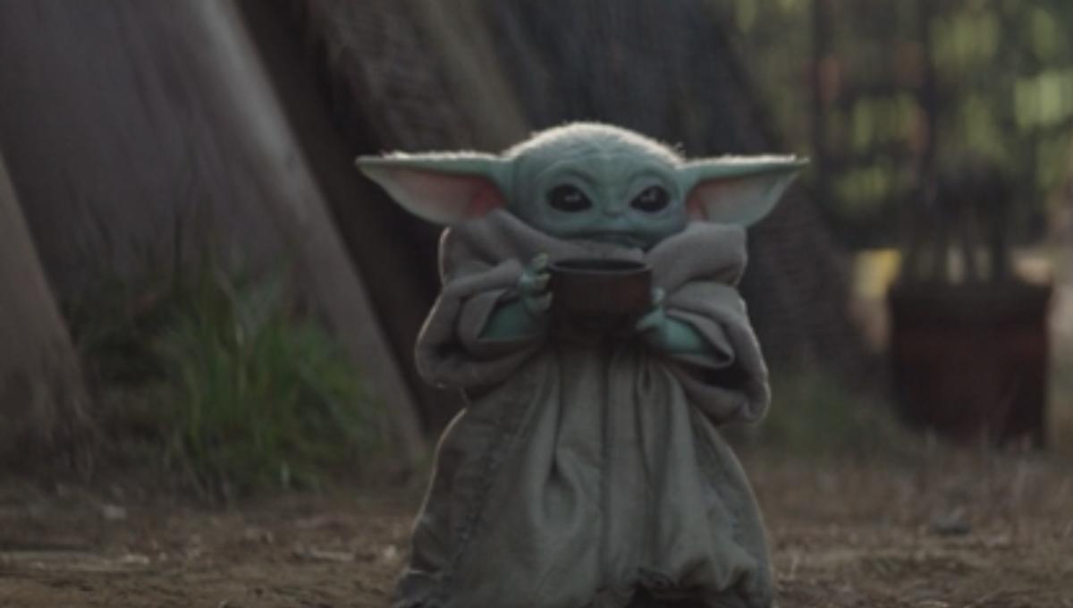 Cute Alien Wallpaper Christmas Baby Yoda Has The Tea In Latest Mandalorian Meme Taking