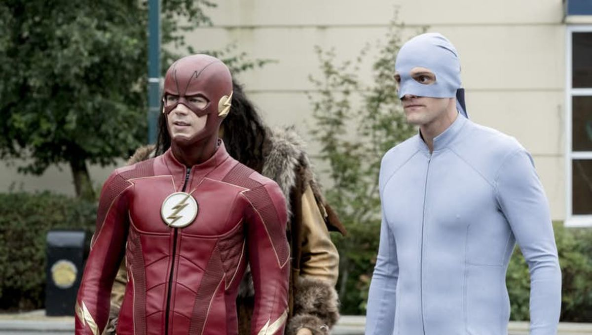 First look at Elongated Man's costume on Flash, in all its pajamas ...
