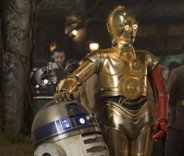 Star Wars Oscar Isaac Teases He And C 3po Worked Together A Lot In Episode Ix Star Wars Oscar Isaac Worked A Lot With C 3po In Episode Ix Syfy Wire