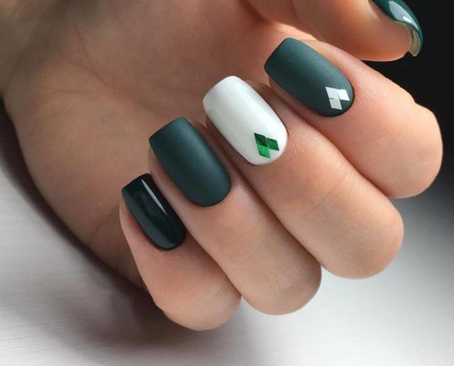 Зеленый маникюр - 20