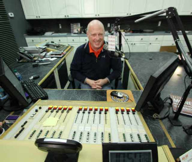 The Voice Of The Auburn Tigers Rod Bramblett And Wife Have Died Following Fatal Car Accident