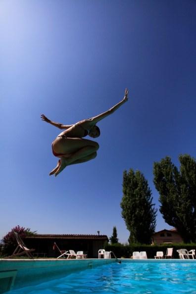 Layla à la piscine à Rome