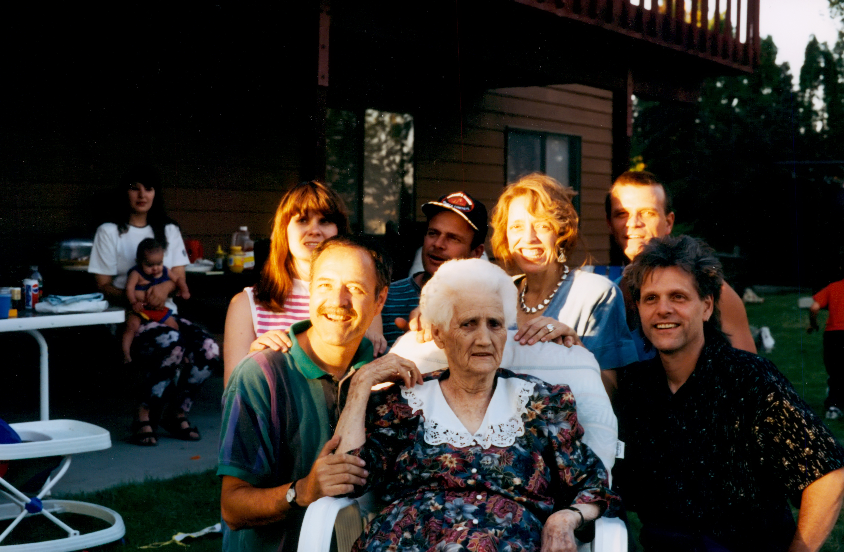 1995-3. Grandmother Rogers & Aunts Visit Darlene's
