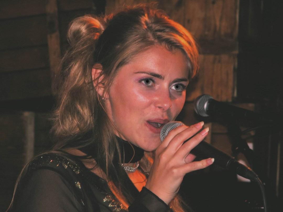 Dukes of Soul - Zangeres Sylvia Brandse
