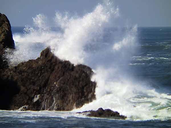 Afbeeldingsresultaat voor rots golven
