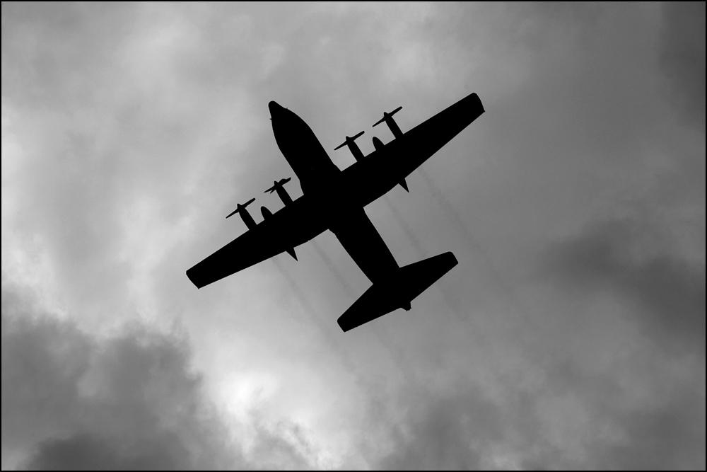 Avion à hélices, fête nationale belge (Bruxelles, 21 juillet 2012)