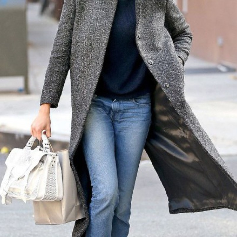 Sylvie in the Sky / Winter Style Guide / 8 Classic Coats It Girls Love / Karlie Koss / The Duster Coat