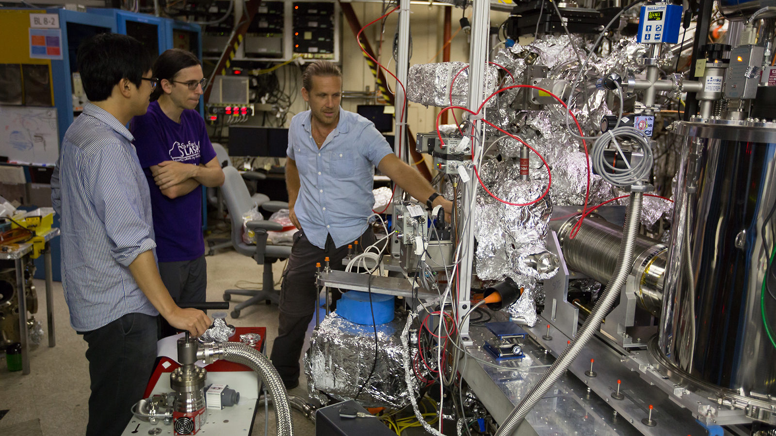 A Stanford University Doctoral Student Pictured Above At SSRL From Left Lee Titus And Nordlund Have Already Used The Transition Edge Sensor