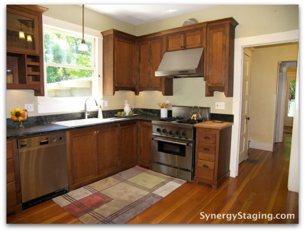 Flanders - Kitchen staged by Synergy Staging in Portland