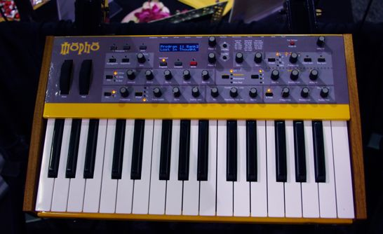 dave-smith-instruments-mopho-keyboard