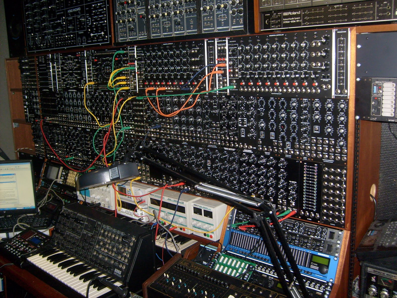 you can never have too much modular synthesizer synthtopia. Black Bedroom Furniture Sets. Home Design Ideas