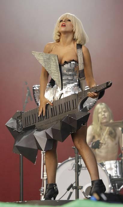 gary-card-lady-gaga-keytar.jpg